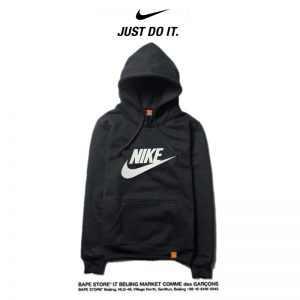 44a8b406c08a75ce 300x300 - Nike 2018春秋薄款 休閒衛衣 寬鬆 長袖 套頭 情侶款 黑白