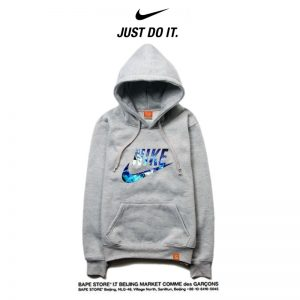 77d258bb9dd1e00a 300x300 - Nike 2018春秋薄款 潮流衛衣 寬鬆 長袖 套頭 情侶款 灰藍