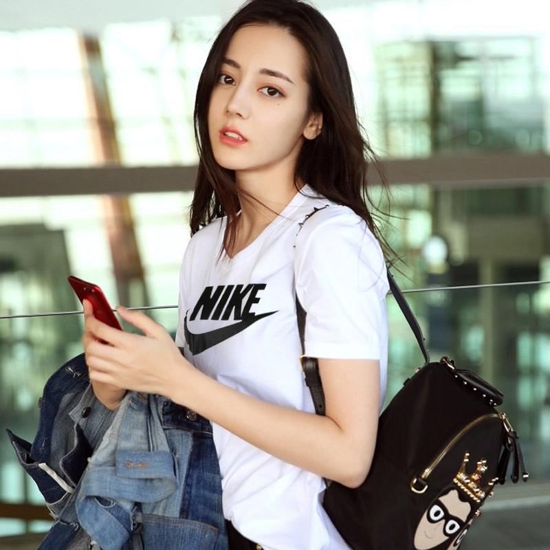 Nike 短袖女裝上衣 顯瘦圓領寬松印花透氣運動T恤829748-100