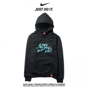 9fe8d97d13213d36 300x300 - Nike 薄款 潮流帽T 寬鬆 長袖 套頭 衛衣 情侶款 黑綠