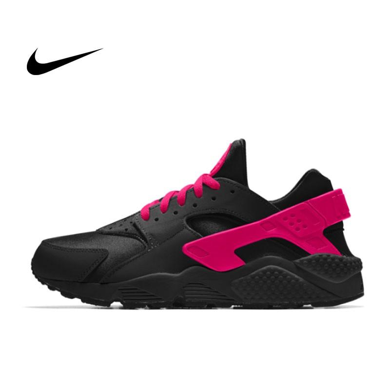 NIKE AIR HUARACHE RUN Triple Black 一代黑武士 運動鞋 黑魂 休閒鞋 慢跑鞋 女 黑玫紅