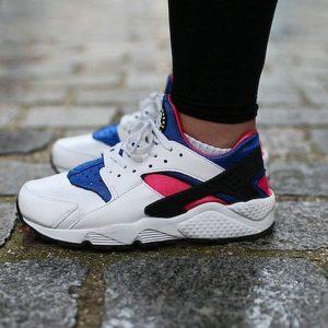 b8cc8876a2b9ad52 300x300 - 情侶鞋 Nike Air Huarache Run OG初代華萊士復古慢跑鞋 OG白藍桃粉 AH8049-100-