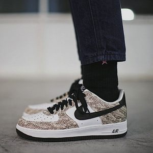 be71f5f8a5df94b4 300x300 - Nike Air Force 1 Low Premium Snake Cocoa 低筒 白黑 皮蟒 蛇紋 845053-104