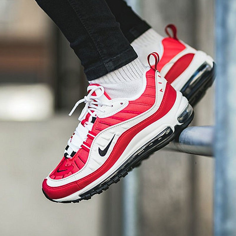Nike Air Max 98 復古氣墊百搭慢跑鞋 大學紅白黑勾 AH6799-101