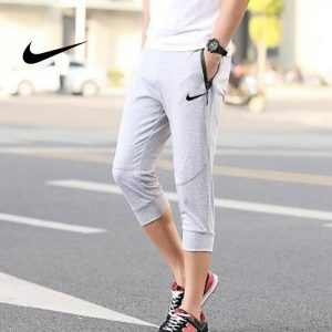 32d2ff38a3aeb358 300x300 - Nike 經典 男款 束口束腳褲 7分褲 灰色 運動短褲 時尚百搭