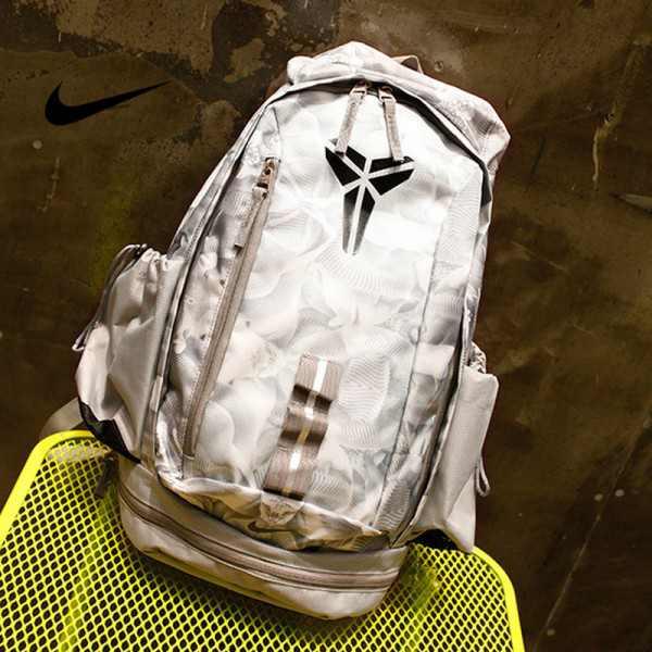 羽毛款科比 Nike Kobe 籃球包 大容量 雙肩包 旅行包 學生書包 鞋袋包 白色 49*27*19