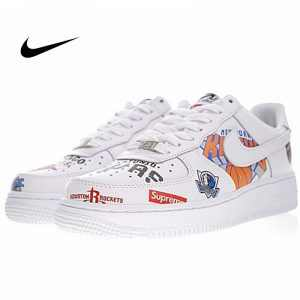 a81a6f75b69855ff 300x300 - Supreme x NBA x Nike Air Force 1 AF1 NBA LOGO聯名款 塗鴉 低筒 休閒鞋 時尚 百搭 AQ8017-300
