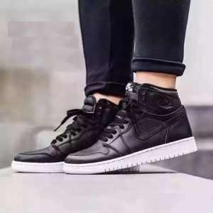 b926f66fdd6c0587 300x300 - Nike Air Jordan 1 OG 黑白奧利奧 AJ1 喬1大魔王 情侶款 高筒籃球鞋 555088-006