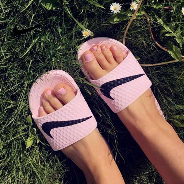 Nike Benassi 女神 粉色 大LOGO 沙灘 拖鞋 涼鞋 防水 防滑 時尚 百搭 705475-6013