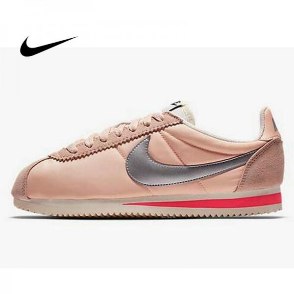 Nike Classic Cortez 阿甘鞋 百搭 淺粉 銀勾 女款 運動 時尚 749864-801