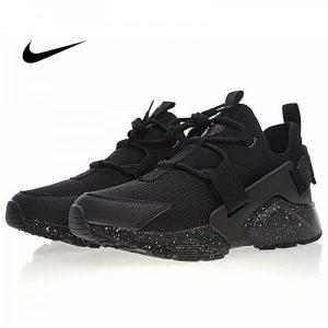 e88061c163a593cf 300x300 - Nike Air Huarache City Low 華萊士 黑武士 城市 機能 百搭 男款慢跑鞋 全黑白噴墨 AH6804-009