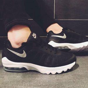 230064294b22ba6d 300x300 - Nike Air Max Invigor 半掌氣墊跑步鞋 情侶款 黑白色 休閒 百搭-熱銷推薦❤️