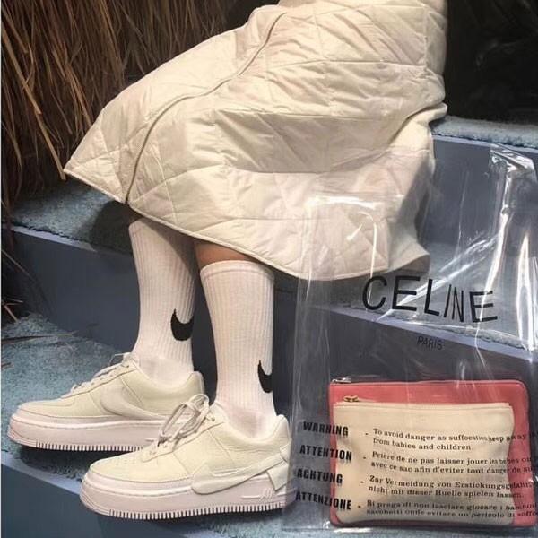 Nike Wmns Air Force 1 空軍一號 女款 米白色 休閒板鞋 百搭-熱銷推薦❤️