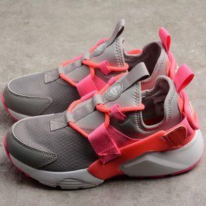 55cf509d1fff9c1b 300x300 - Nike Air Huarache City Low 華萊士五代 灰紅 女款 休閒 運動-超熱賣❤️