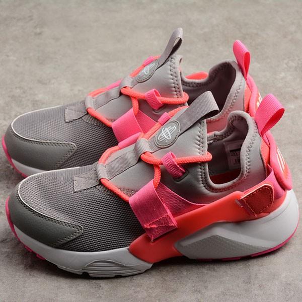 Nike Air Huarache City Low 華萊士五代 灰紅 女款 休閒 運動-超熱賣❤️