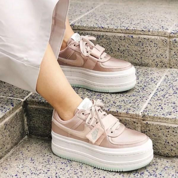 Nike Vandal 2k Surprise 女鞋 復古 增高 厚底 松糕鞋 粉色-現貨預購❤️
