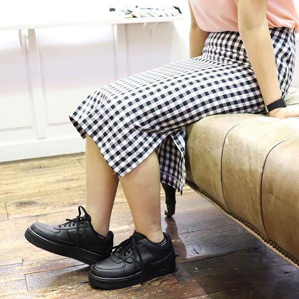 Nike Wmns Air Force 輕量 增高 低幫 百搭 休閒板鞋 女生 全黑-熱銷NO1❤️