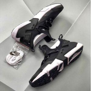 abd516781078f912 300x300 - Nike Air Huarache華萊士 甲卡面跑步鞋 黑白色 情侣款-現貨預購❤️