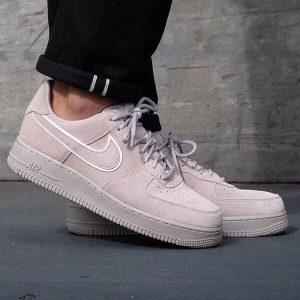 be13aa8a6d6d2adb 300x300 - Nike Air Force 1 07 AF1 空軍一號 麂皮 淺紫色 休閑板鞋-現貨秒殺❤️