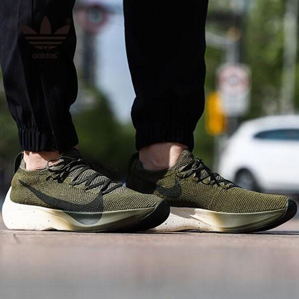 Nike Vapor Street Flyknit 軍綠色 馬拉松 跑鞋 情侶款 休閒 時尚-新品駕到❤️