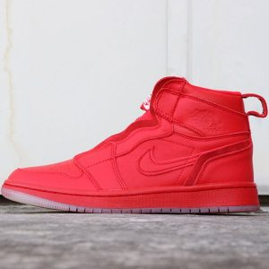 a5f10a1a266ebecf 300x300 - 喬丹1代 Vogue x Air Jordan 1 High Zip AWOK 貨號:BQ0864-601 Vogue聯名紅高幫拉鏈男女款