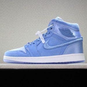 d7edfcb448363469 300x300 - Air Jordan 1 Retro High  Hydrogen Blue  AO1847-445 喬1綢緞淡藍女款