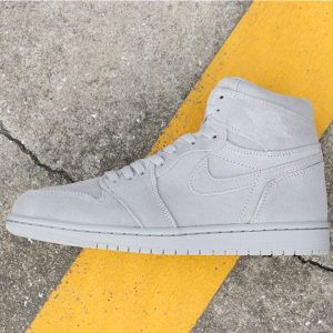 ee506fb96cff8fc2 300x300 - Air Jordan 1 Retro High  Grey Suede 喬1灰麂皮 332550-031男款