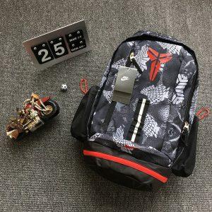 2906b3b7b3f1d659 300x300 - Nike Kobe科比蛇紋系列 超大容量籃球訓練運動揹包 灰紅配色