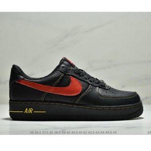 54d8188049231eb0 300x300 - VLONE x Nike Air Force 1 之市售版空軍一號陳冠希超限量VLONE簽名版 低幫聯名款 情侶款 黑紅