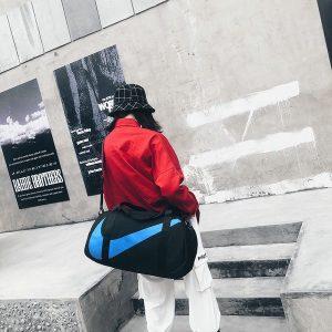 6b4ceaad79a312eb 300x300 - nike包 新款單肩手提包旅行包女健身包男運動包斜挎包 黑湖藍