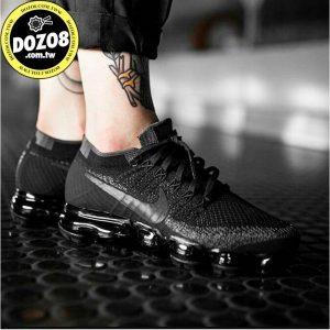 6f60e51cffdbd271 300x300 - Nike Air Vapormax Flyknit Triple Black 全黑 849557-006