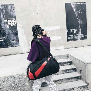 70181e6401b8356d 300x300 - nike包 新款單肩手提包旅行包女健身包男運動包斜挎包 黑紅