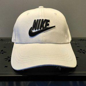 9054423f1578a885 300x300 - nike 帽子 夏季 棒球帽 男 百搭 鴨舌 太陽帽 運動 旅遊 遮陽帽 白色