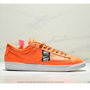 9d0956ad6ffb4224 300x300 - Nike Blazer Low SE 開拓者休閒運動板鞋 情侶款 橘黃黑