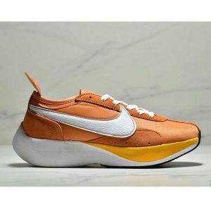 d9afdfefc972356e 300x300 - Nike Moon Racer 阿甘登月馬拉鬆 男子休閒跑步鞋 黃白