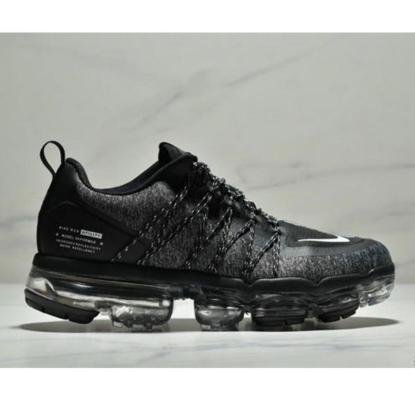 Nike Air Vapormax Flyknit 全掌大气垫减震慢跑鞋 男款 黑白