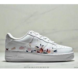 fb1d5d31ac7c448a 300x300 - Nike Air Force 1 07 空軍一號 經典 低幫 萬針刺繡玫瑰虎頭 女鞋
